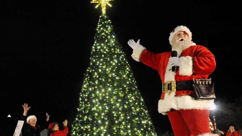 Come+down+and+see+Santa+and+the+crew%21