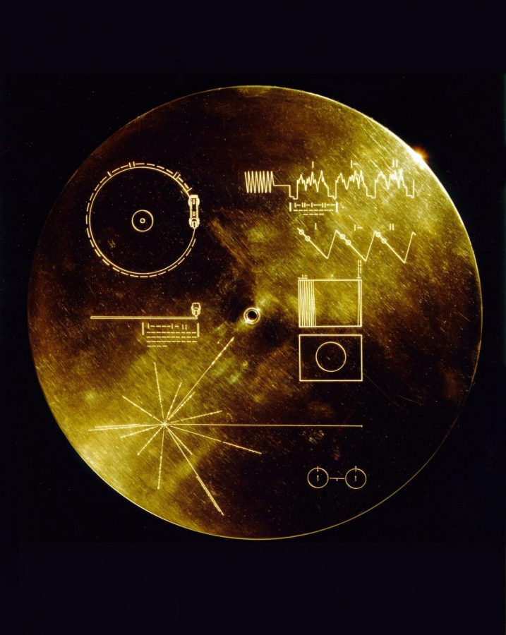 This is an image of the Golden Record with instructions showing how it can be played.